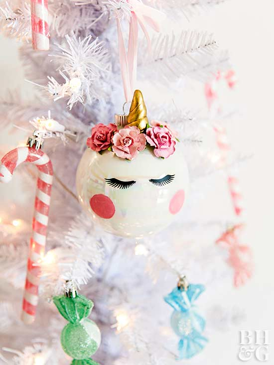 27 Ways To Dress Up Plain Christmas Ornaments Better