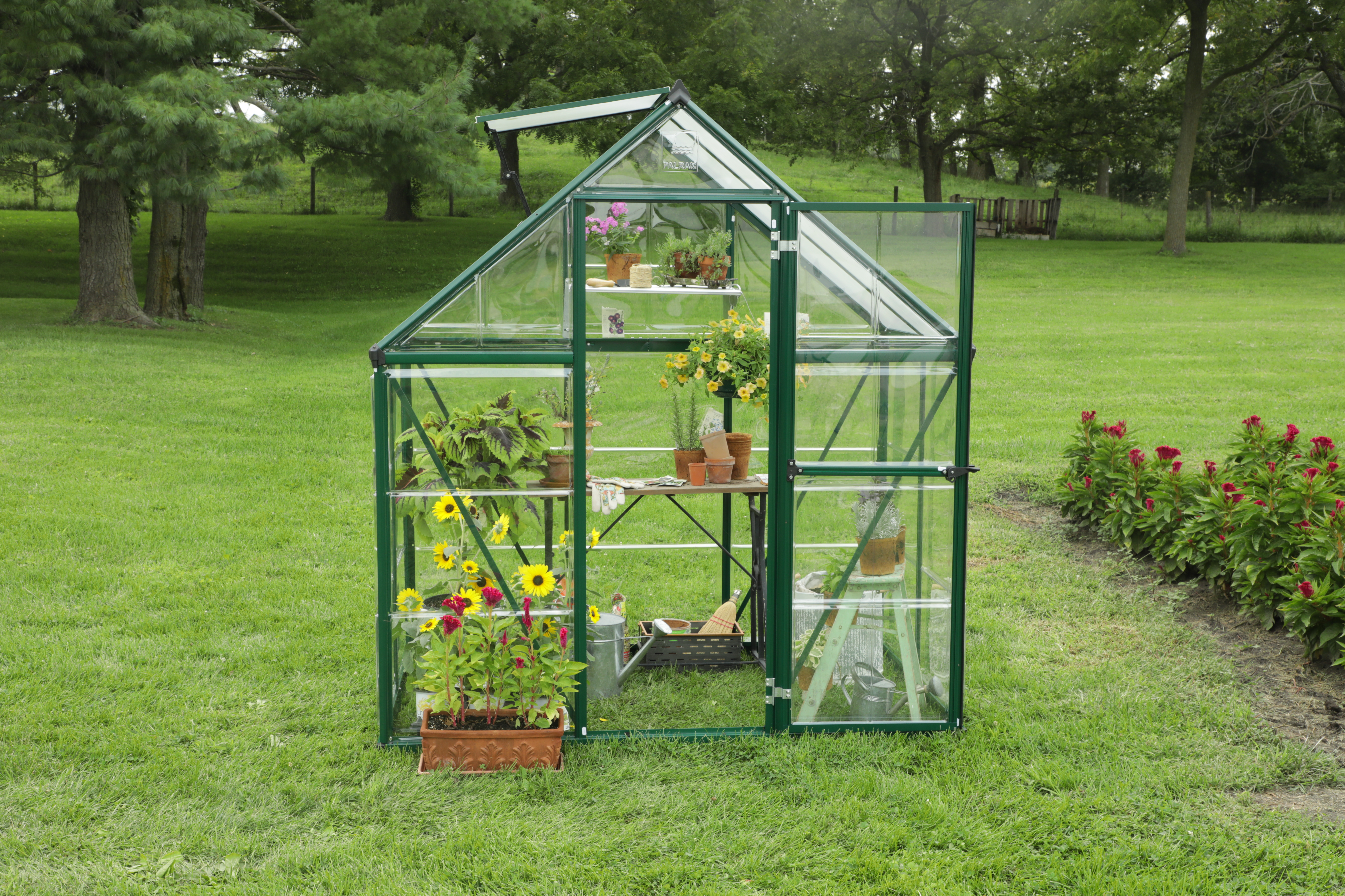 How to Build a Greenhouse Kit