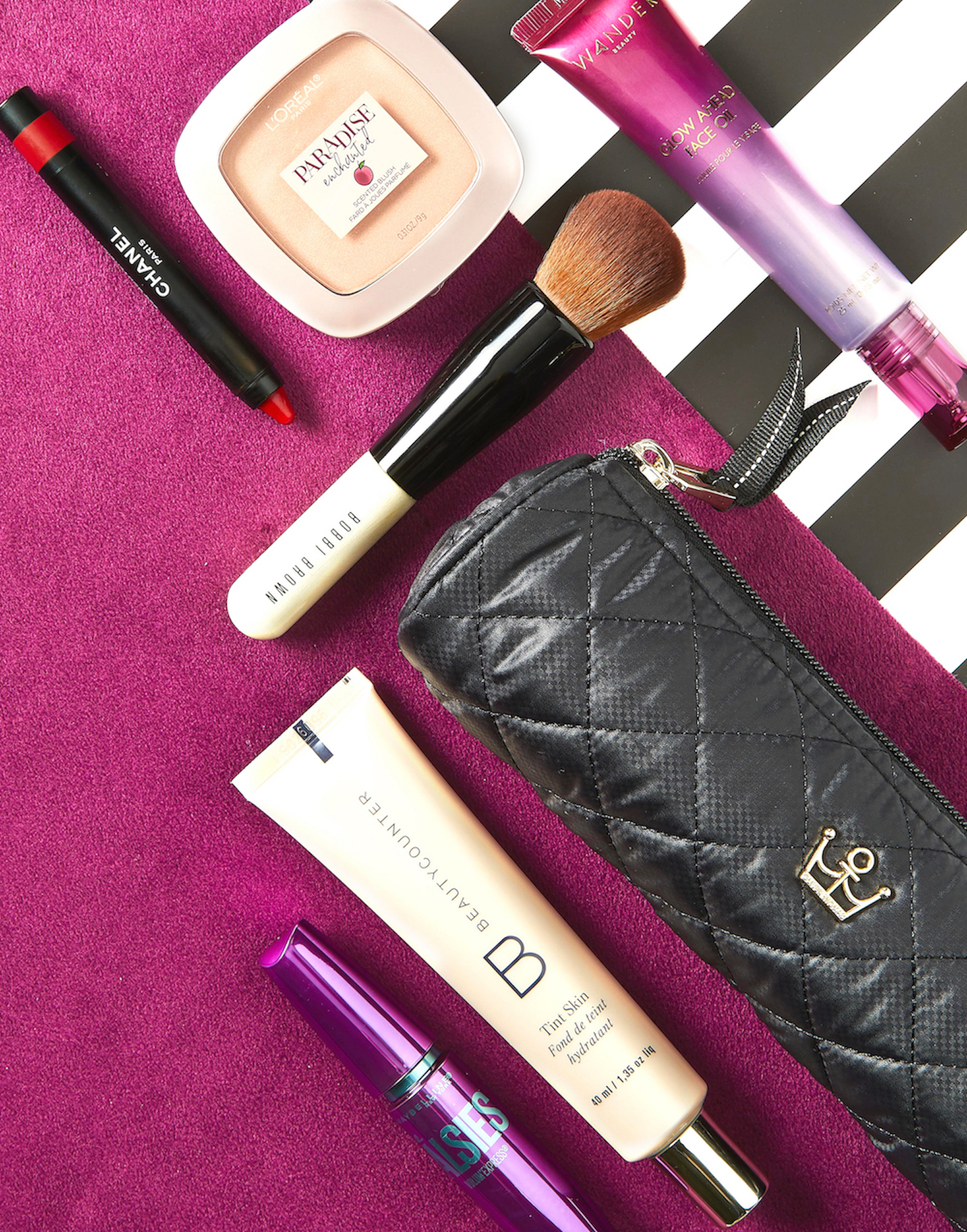 6 Travel Makeup Essentials to Always Keep in Your Beauty Bag