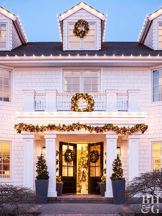 The Great Christmas Light Debate: White vs. Multicolor