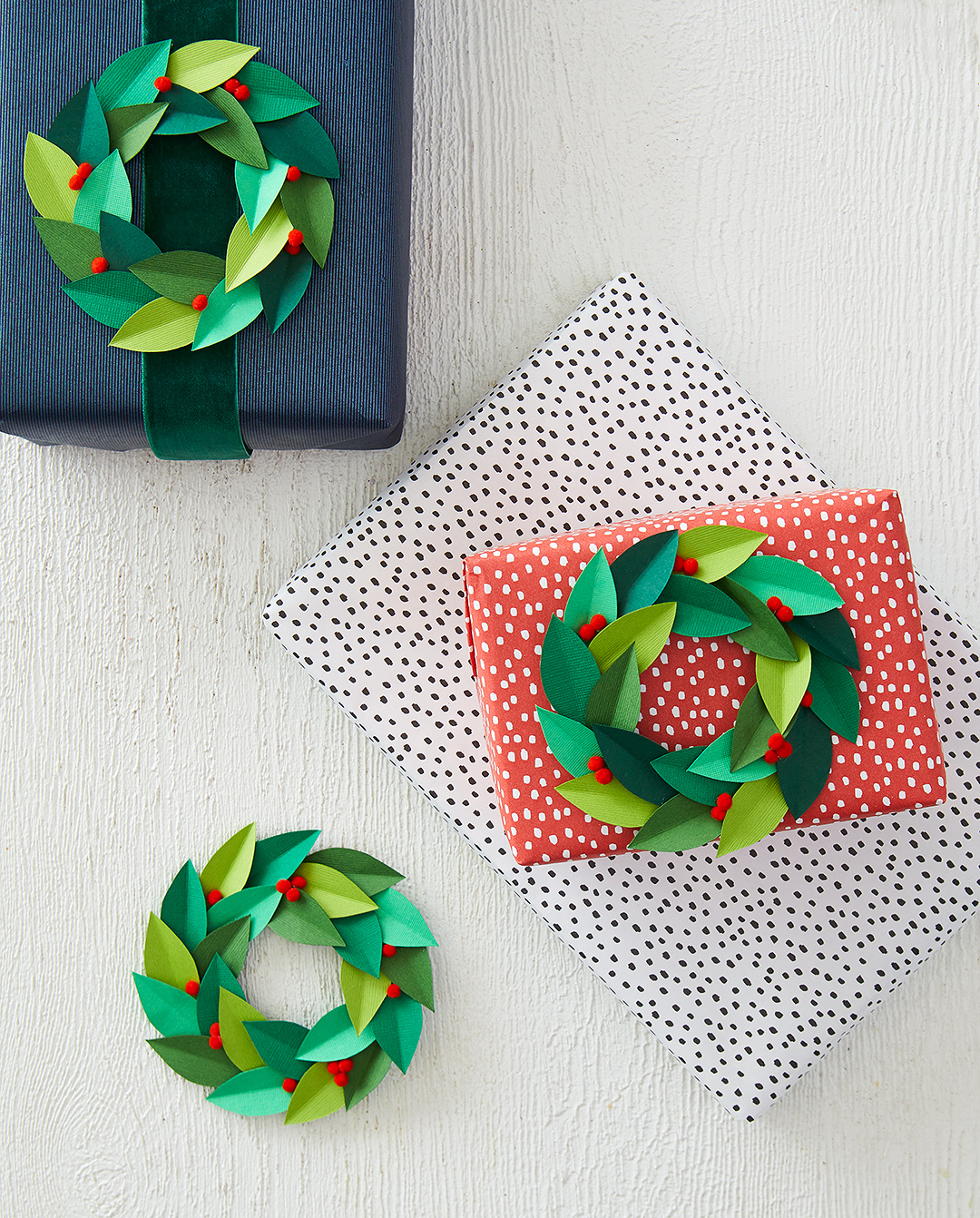 Paper Wreath Toppers for Gorgeous Wrapped Gifts