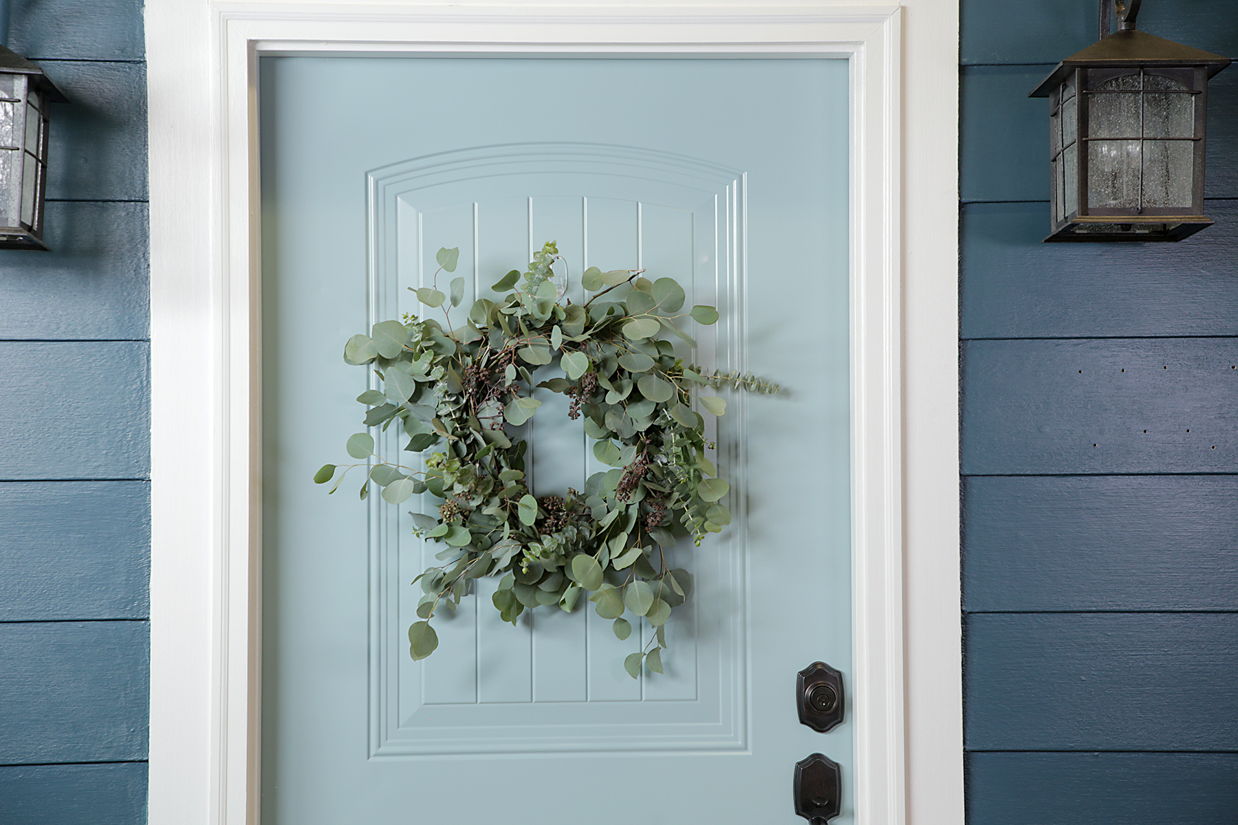 Genius DIY Eucalyptus Wreath Hack