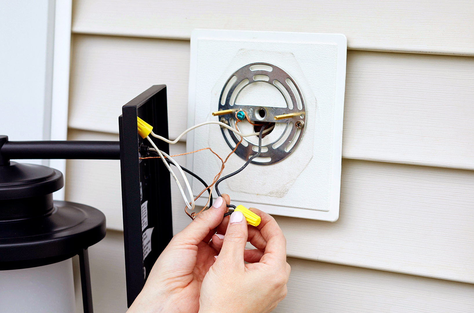 Terrific How To Replace An Outdoor Light Better Homes Gardens Wiring 101 Mecadwellnesstrialsorg