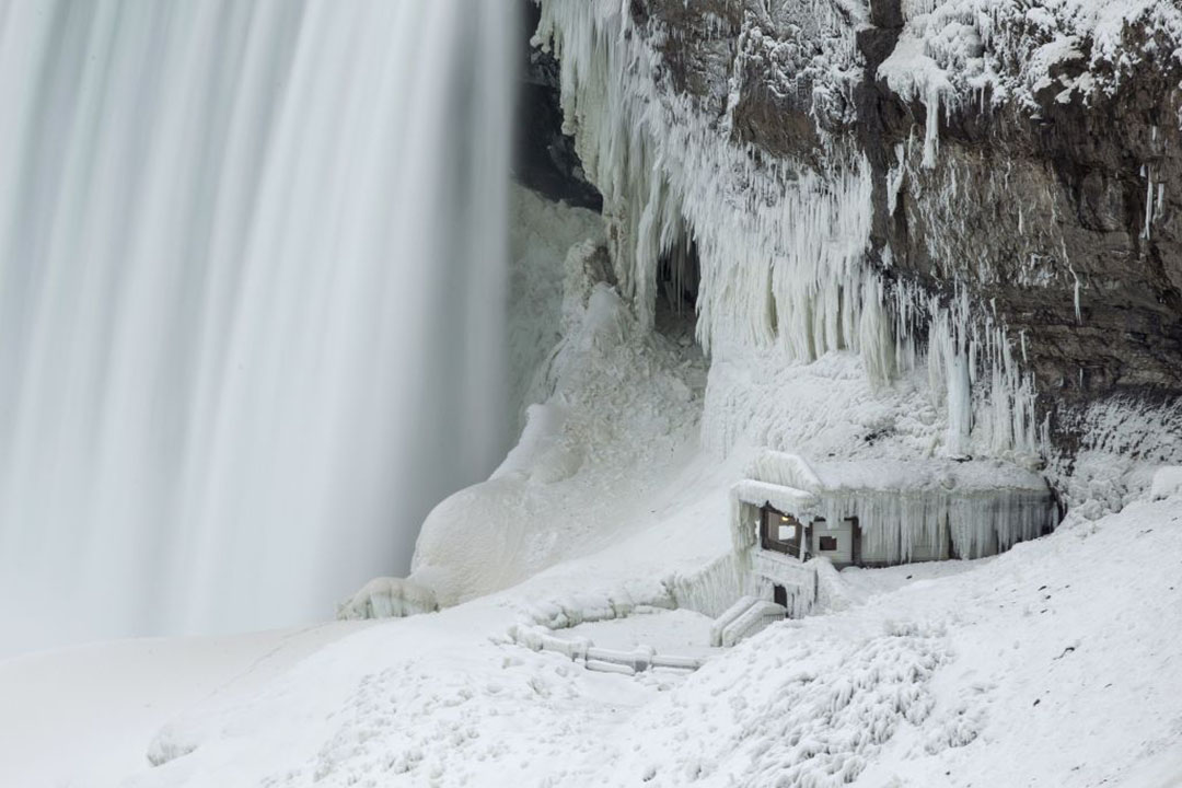 Niagara Falls Is Starting to Freeze and the Pictures Are Stunning
