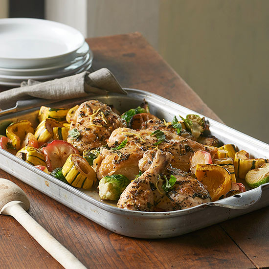 Basil Chicken with Sprouts, Squash, & Apple