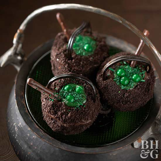 Black Cauldron Cupcakes
