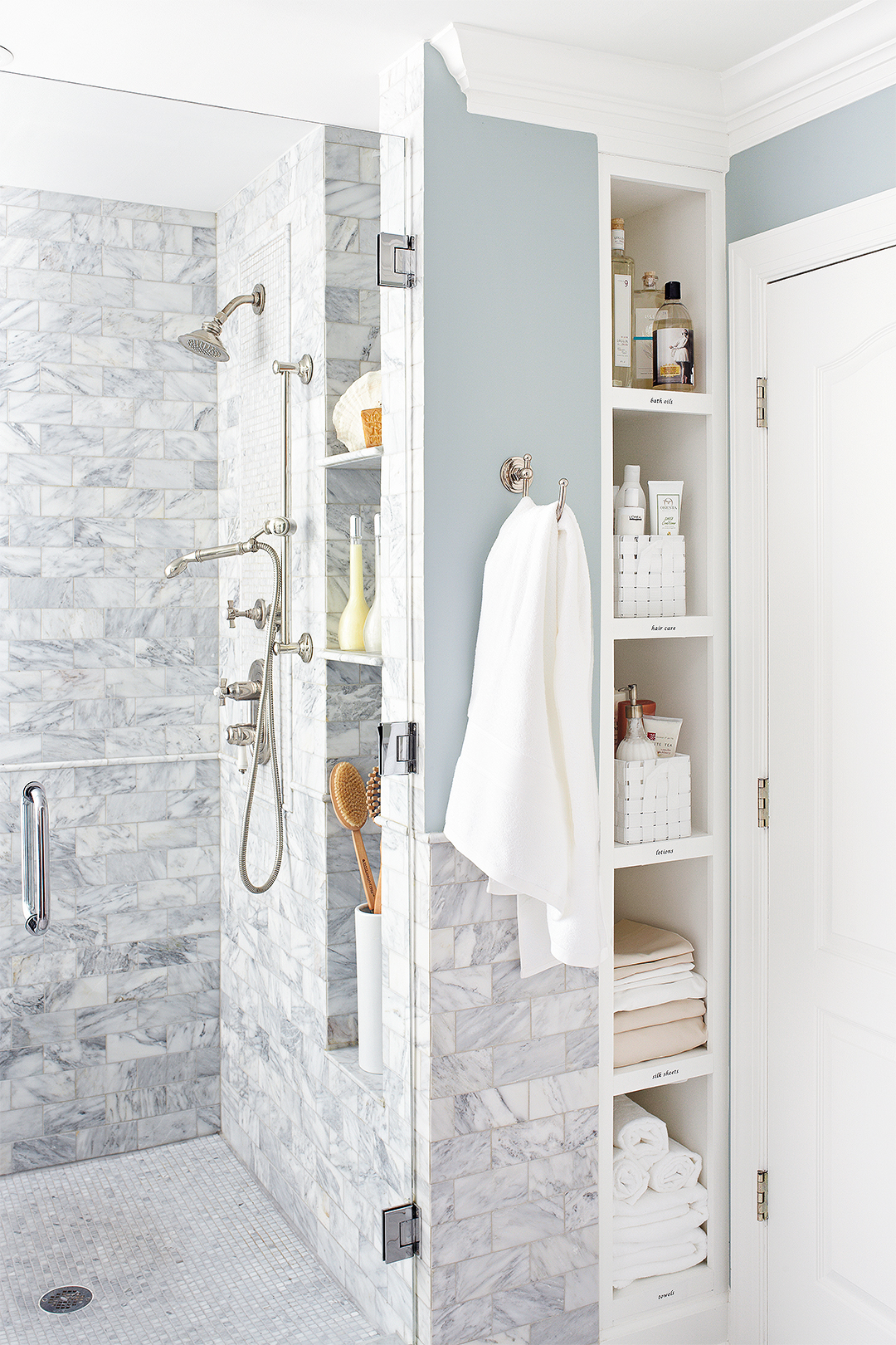 Walk In Showers For Small Bathrooms Better Homes Amp Gardens