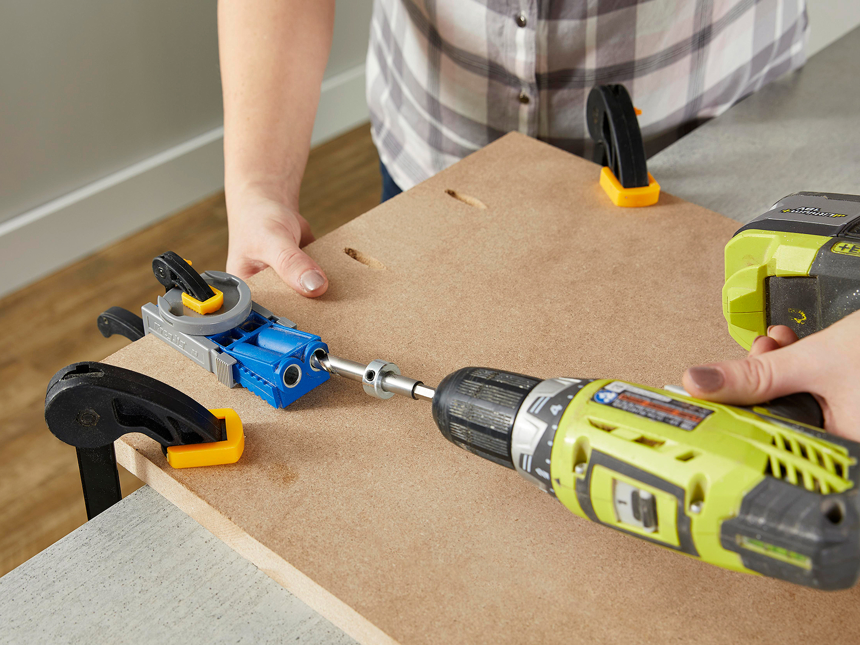 drill holes into wood with pocket hole jig