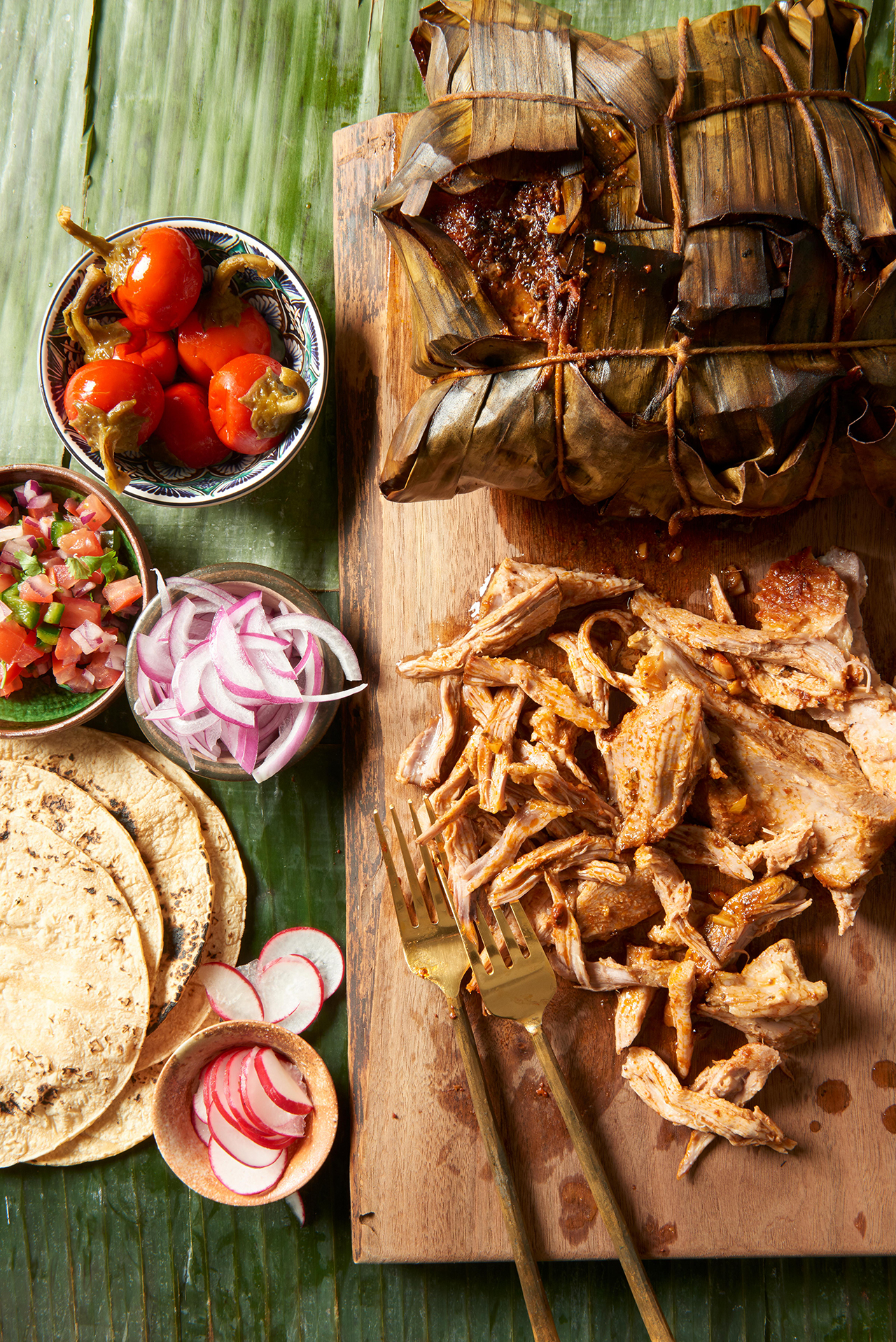 Smoked Cochinita Pibil with vegetable toppings