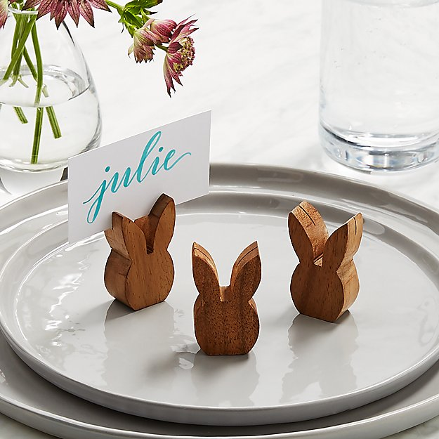 wood bunny place card holders on plate julie name tage
