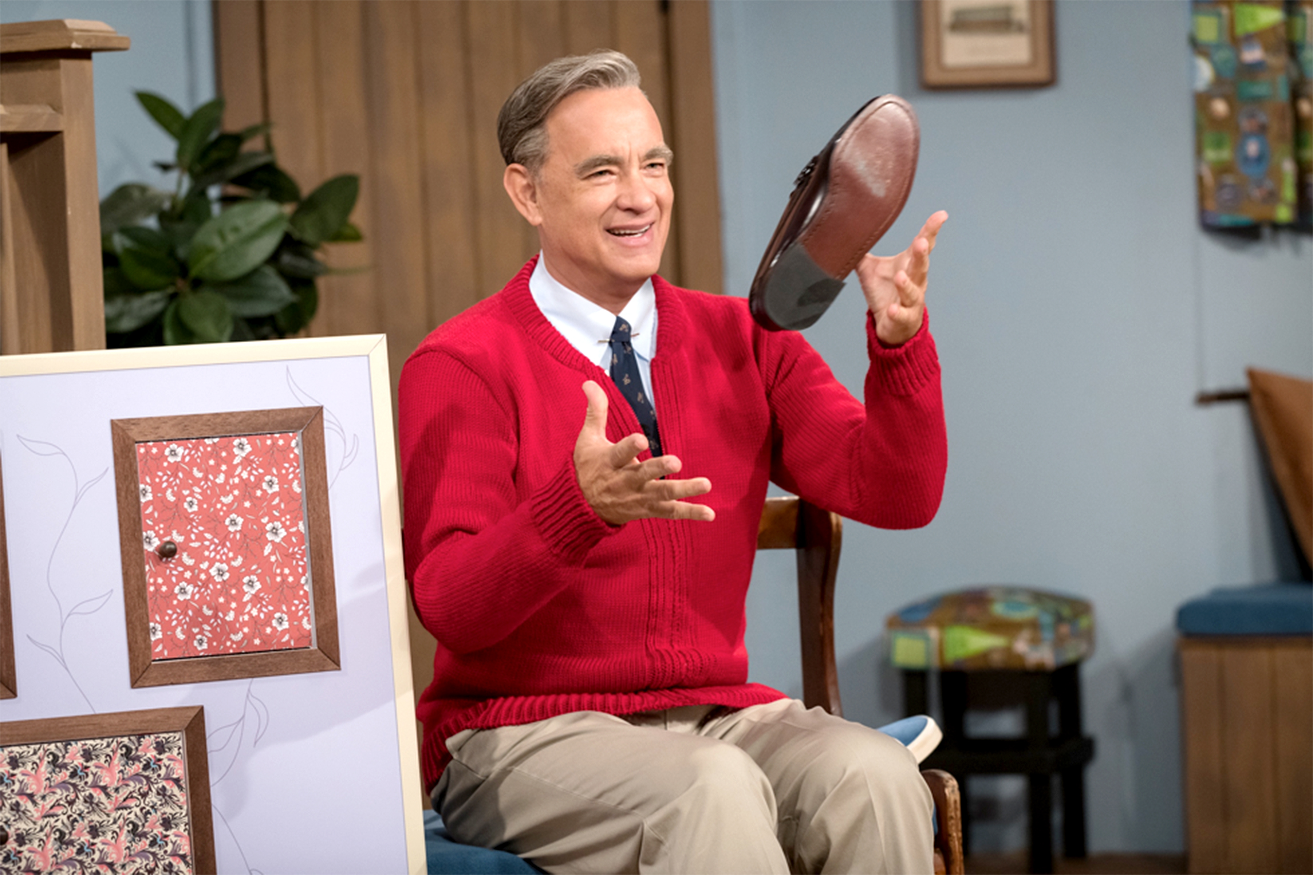 Tom Hanks Looks Just Like Mr. Rogers in New Photo from 'A Beautiful Day in the Neighborhood'