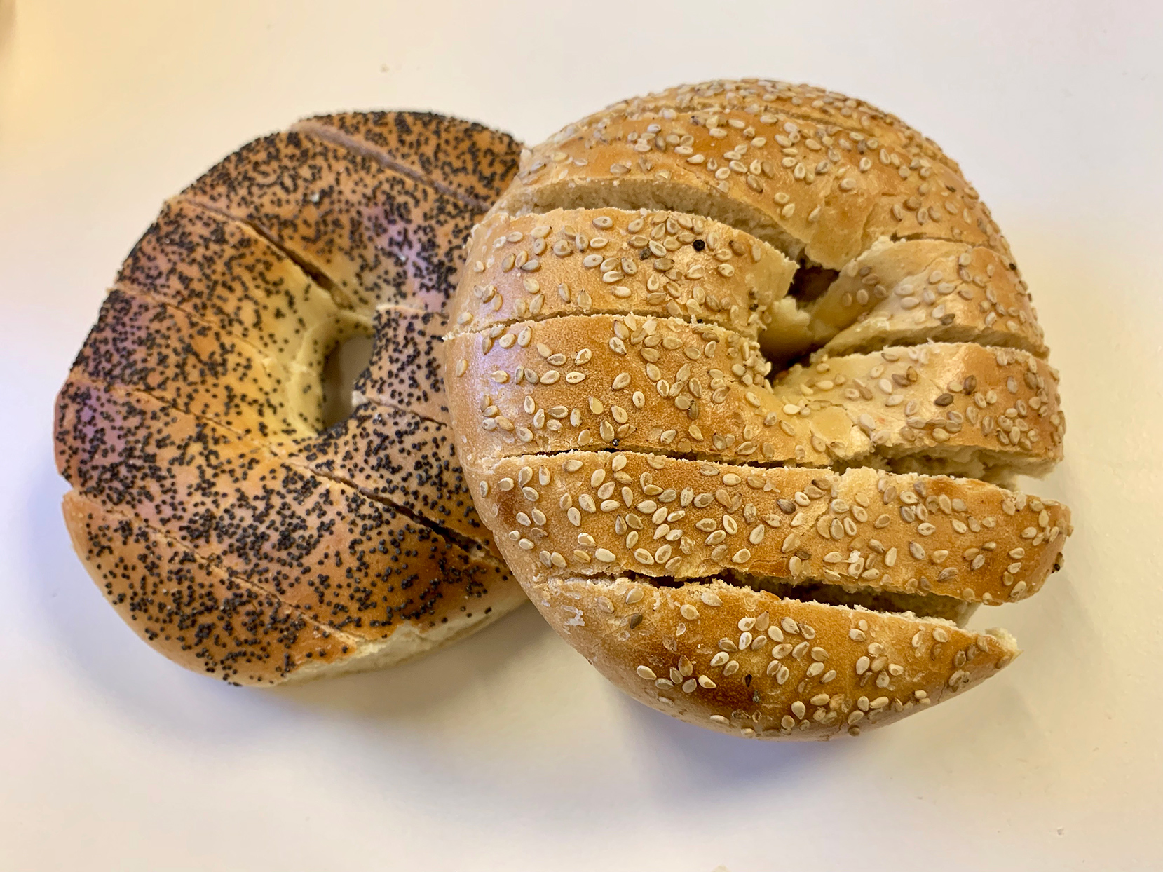 St. Louis Man Stirs Controversy Over Bagels Sliced Like Bread—Here's What You Need to Know