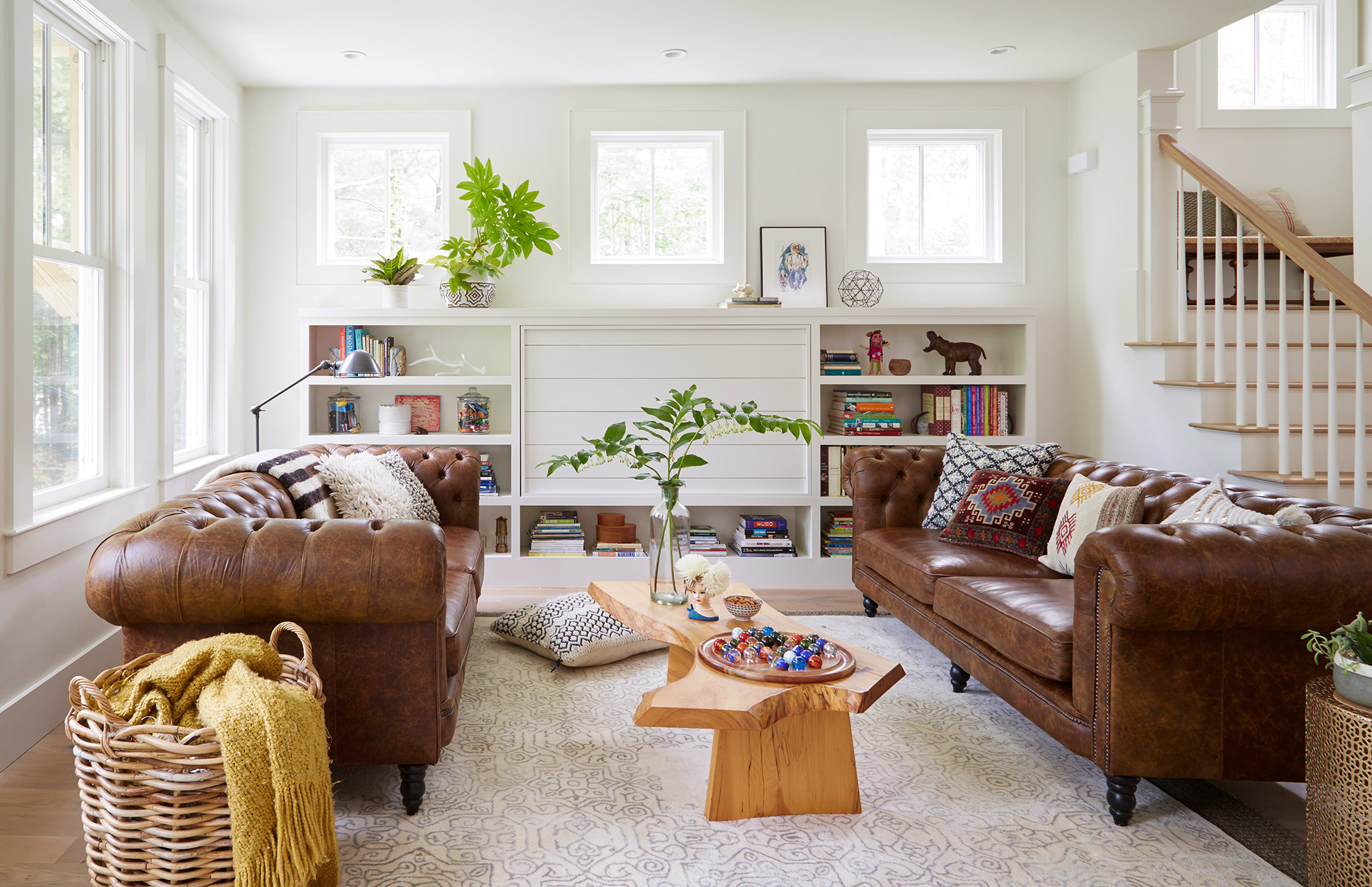 14 Ways To Decorate With A Brown Sofa