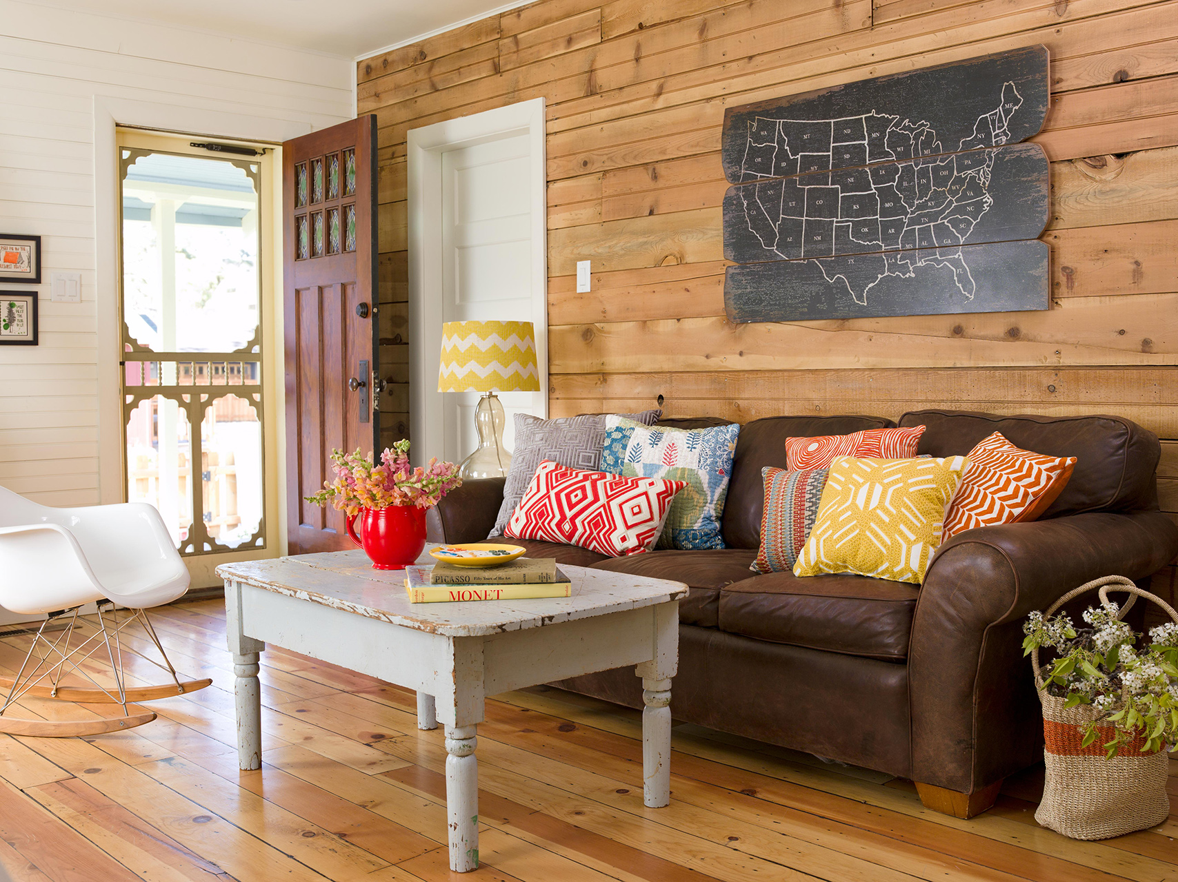 Our Favorite Ways To Decorate With A Brown Sofa
