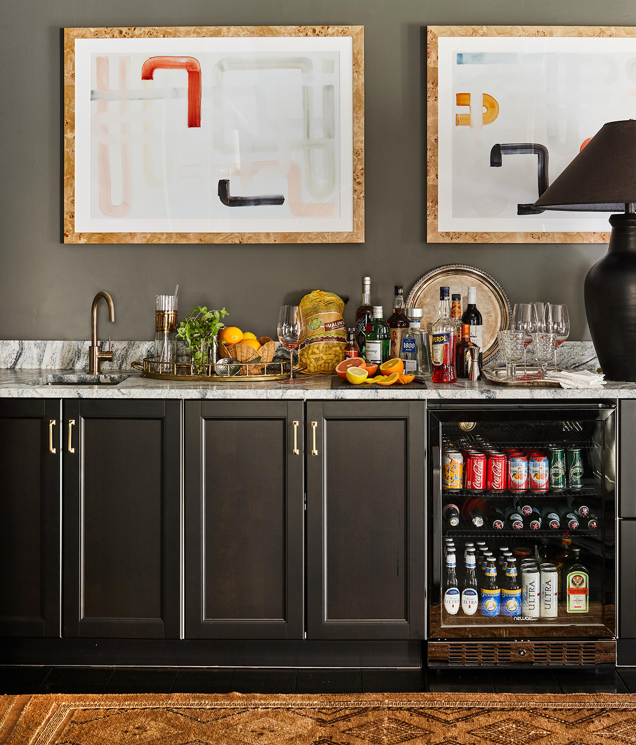 rec room mini bar black cabinets