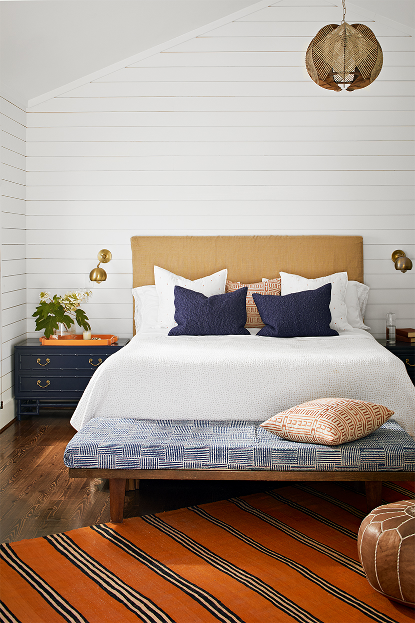 bedroom with bed in middle