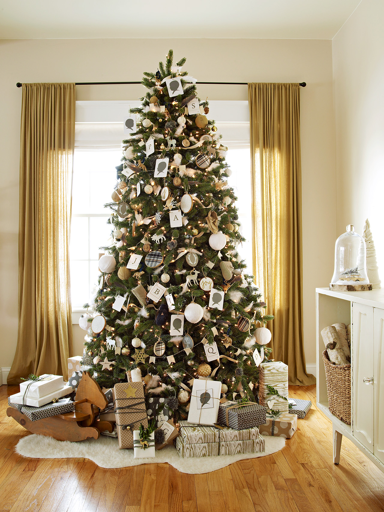 Images Of Christmas Trees.Types Of Christmas Trees Better Homes Gardens