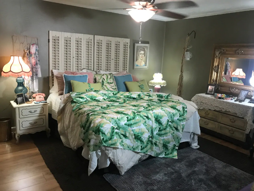 Grab Your Gal Pals: You Can Stay at a Golden Girls-Themed Airbnb