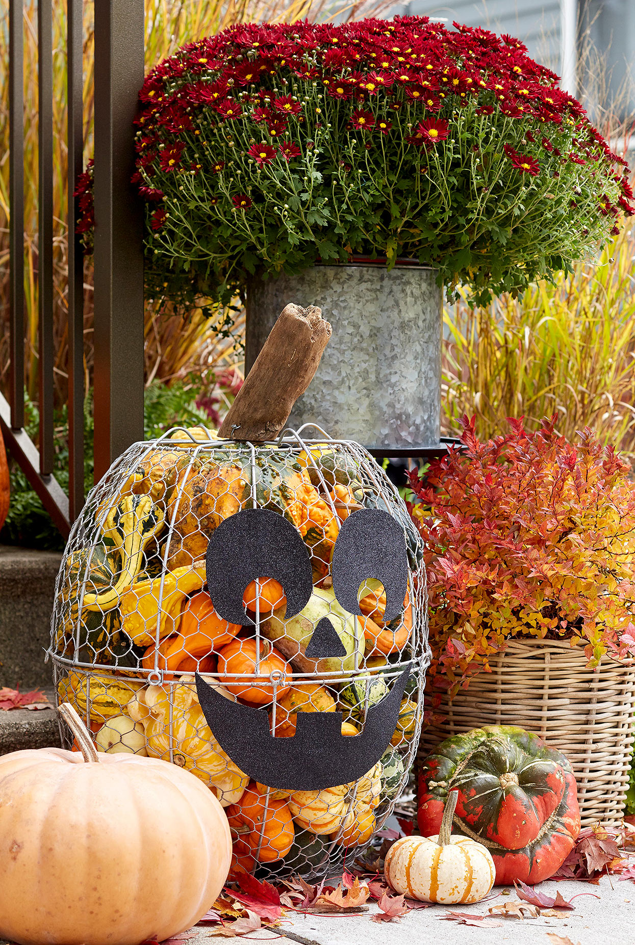 26 Outdoor Fall Decorating Ideas To Showcase Through Thanksgiving Better Homes Gardens