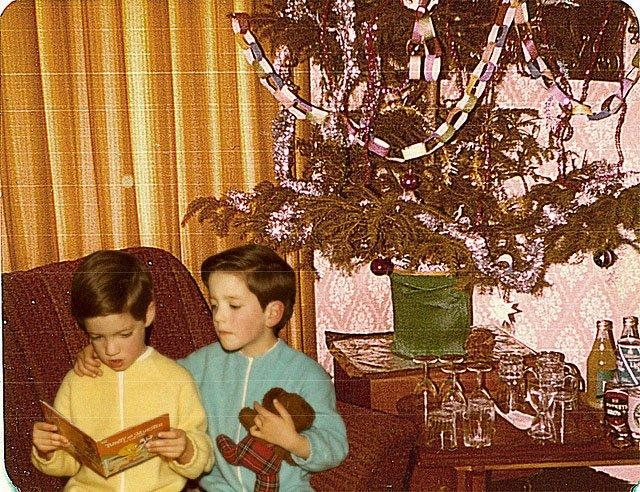 drew and jonathan scott as children at christmas