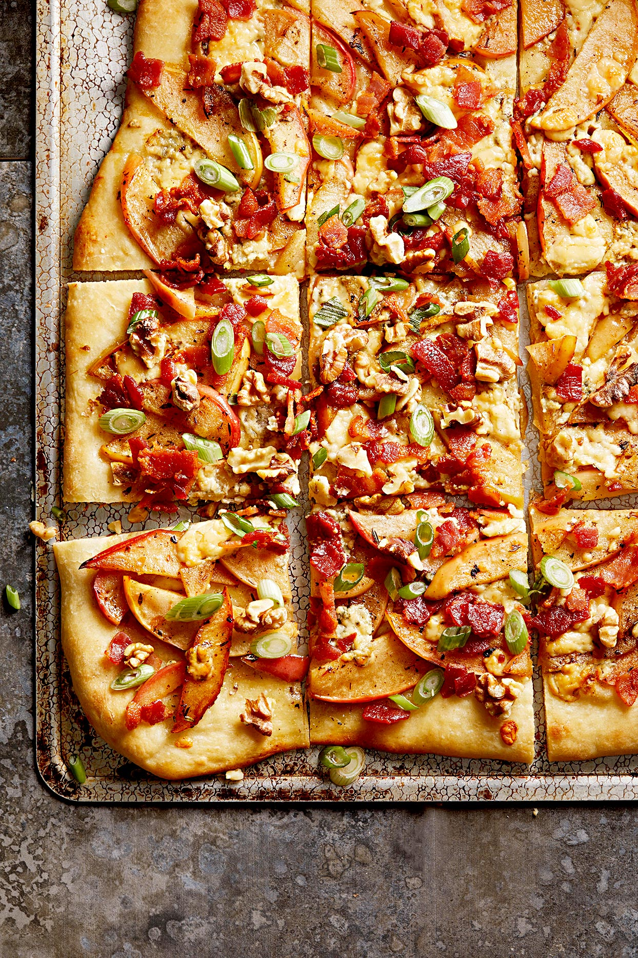 Apple Pizza with Bacon