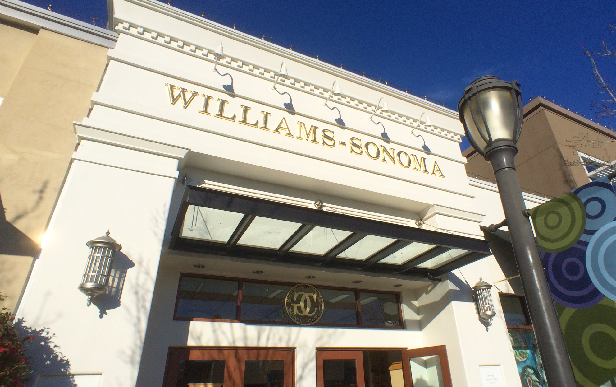 William Sonoma storefront
