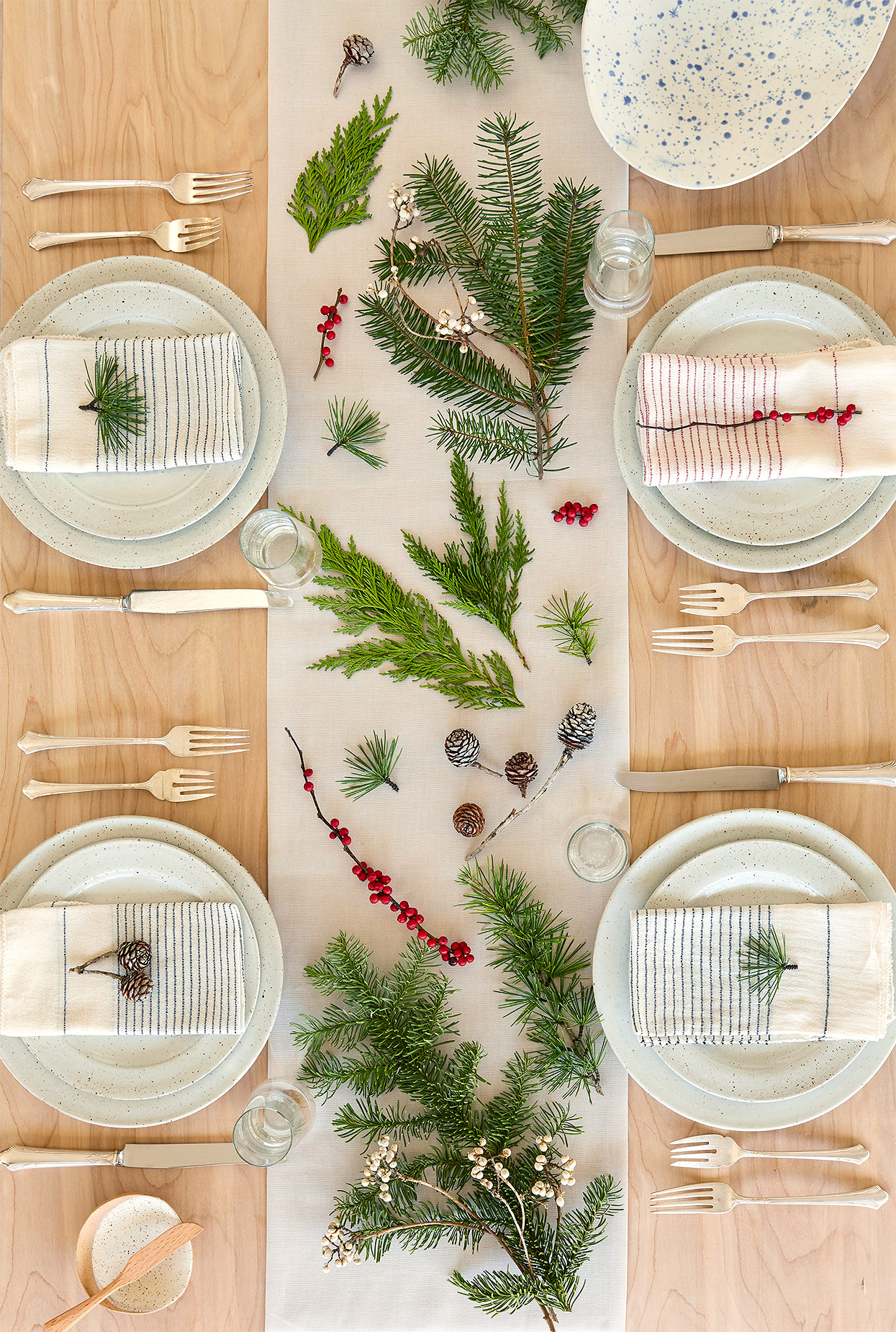 21 Fabulous Ideas For The Perfect Christmas Table Better Homes Gardens