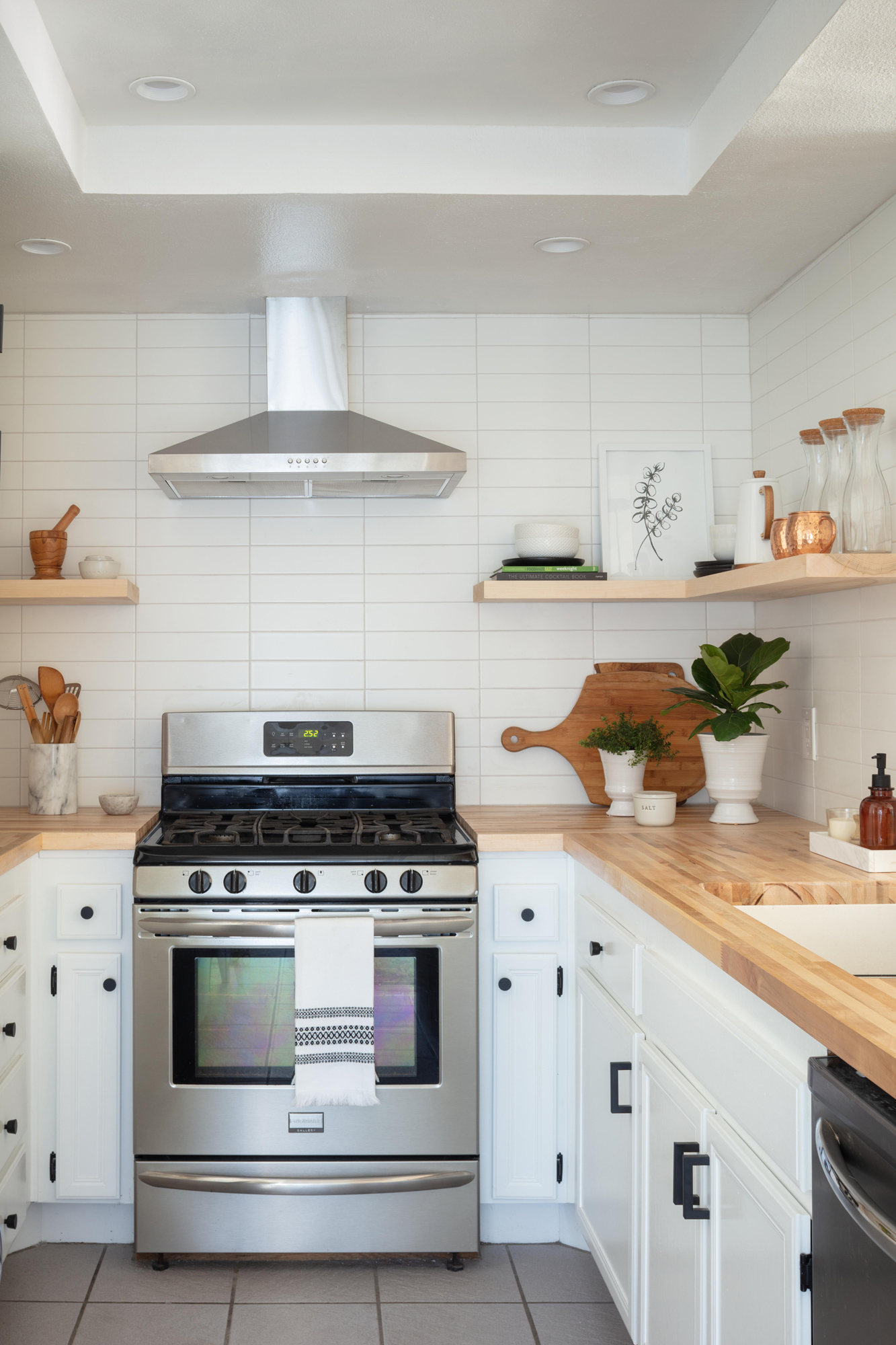 Make a Small Kitchen Look Larger with These Clever Design Tricks ...