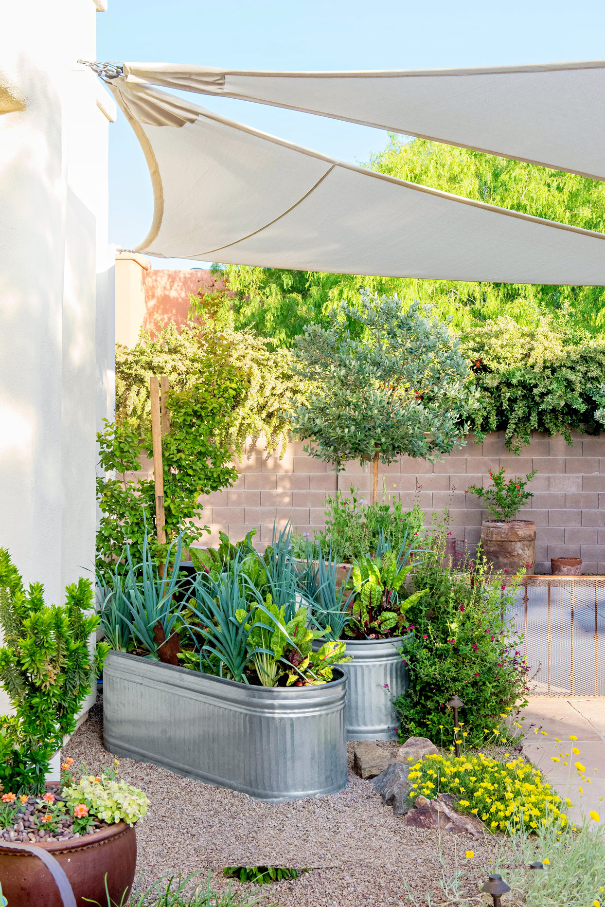 How To Build A Concrete Retaining Wall Better Homes Gardens