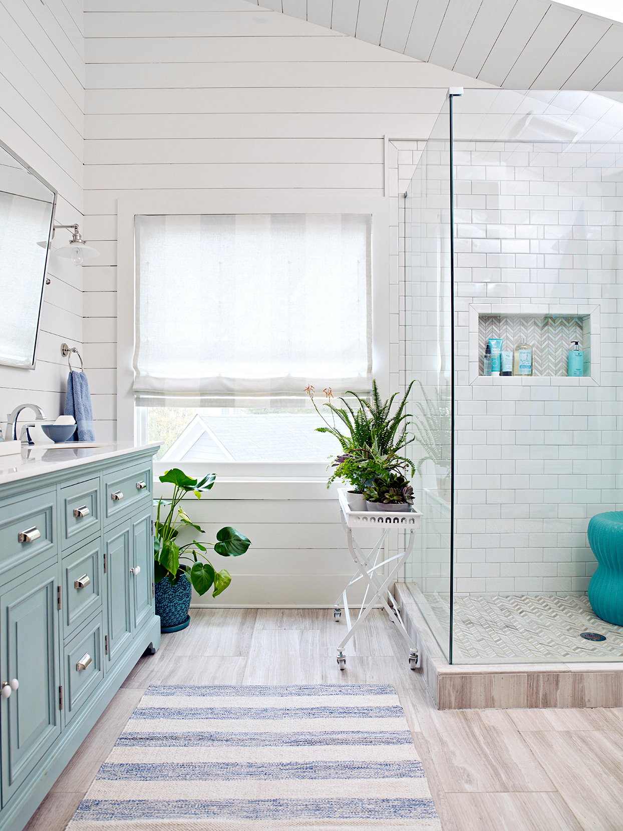20 Bathroom Window Treatment Ideas To Dress Up Your Space Better Homes Gardens