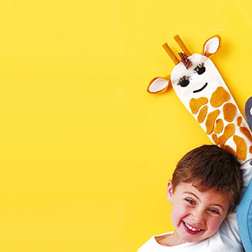 Kid Crafts: Giraffe Puppet