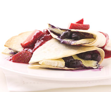 crepe with fruit toppings