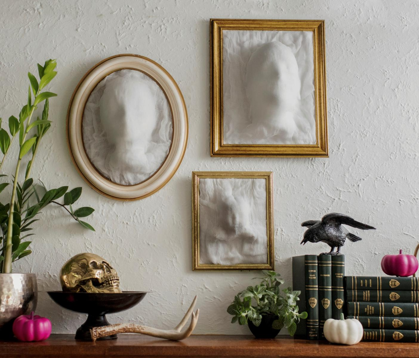 Halloween Craft Ghost-Face Frames