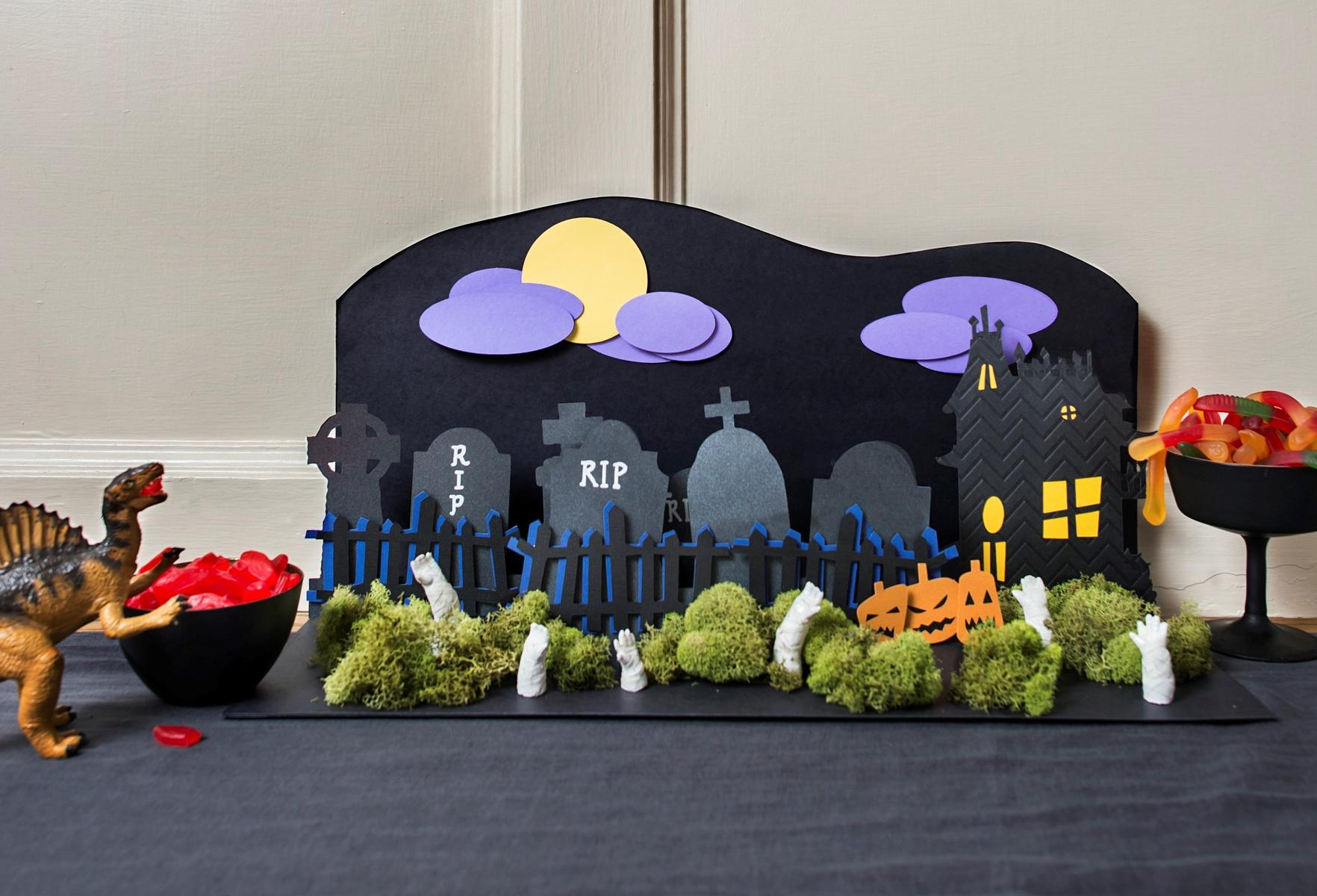 Halloween Craft Pop-Up Graveyard