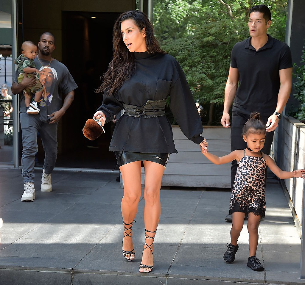 10 Most Stylish Moms in Hollywood_still