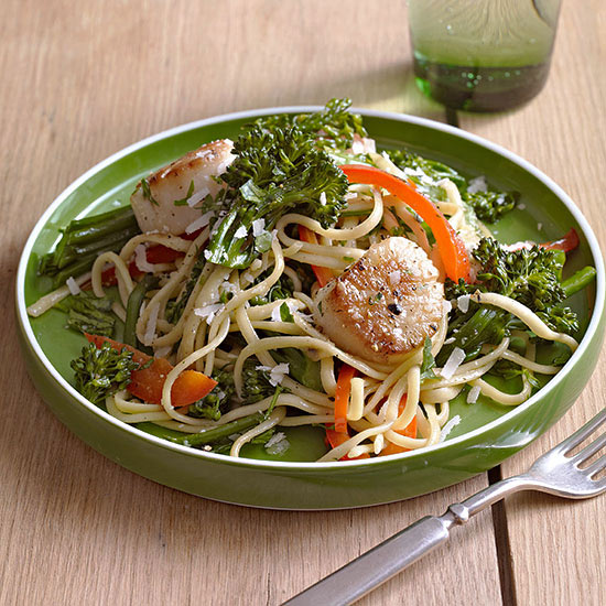Linguine with Scallops, Red Pepper and Broccolini recipe image