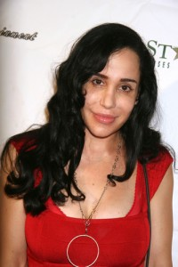 'Octomom' Poses Topless to Raise Money 29569