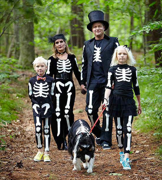Family in skeleton costume