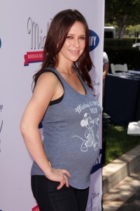 Jennifer Love Hewitt Had a Gender-Neutral Baby Shower 26537