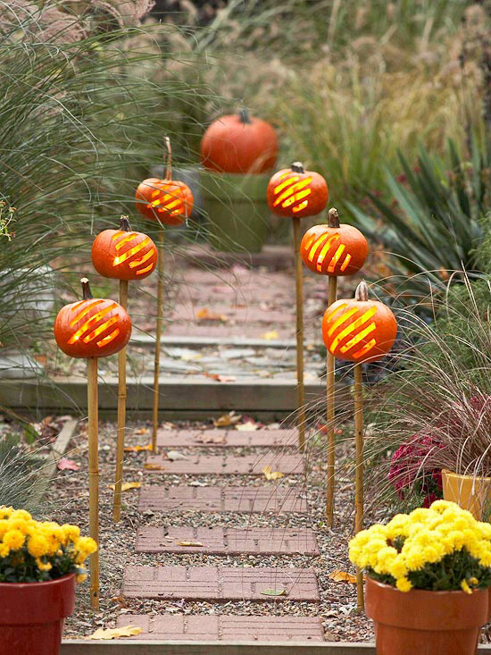 Jack-o-lanterns on sticks