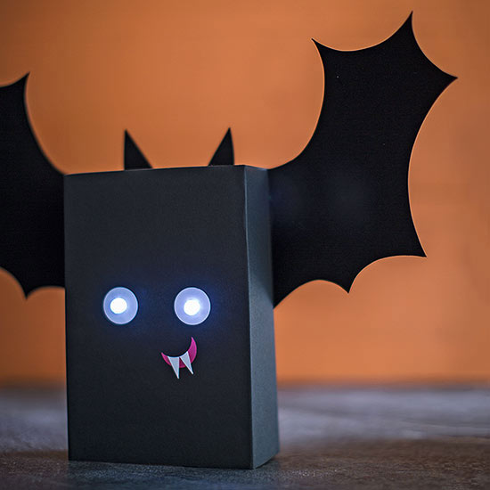 Easy Halloween Paper Crafts and Decorations