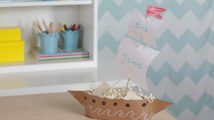 How to Make a Mayflower Centerpiece for Thanksgiving