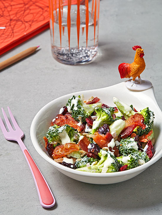 Broccoli salad with creamy dressing