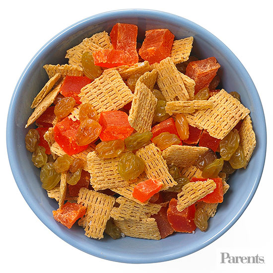Dried papaya, whole-grain cereal, golden raisins