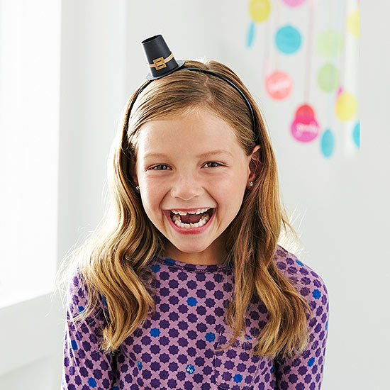 Girl in mini Pilgrim hat