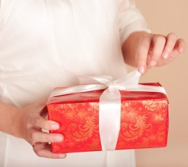 Holiday gifts for pregnant women