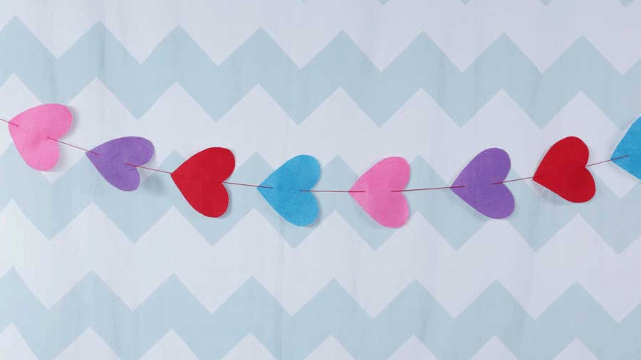 Valentine's Day Felt Hearts Garland Craft