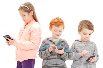 kids on cell phones 36234