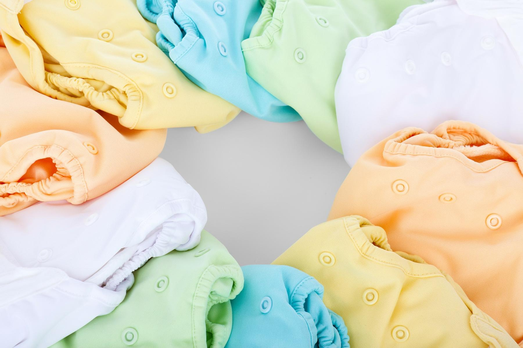 How to get breastfed baby poop out of cloth diapers