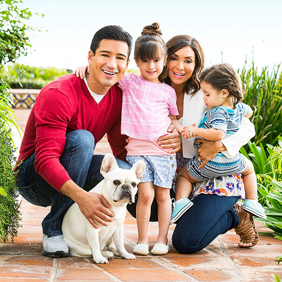 Mario Lopez with his family